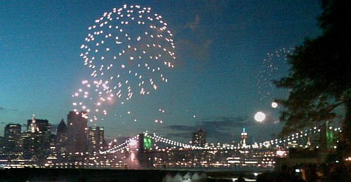 Brooklyn Bridge Fireworks 2008
